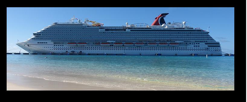 Kreuzfahrtschiff am Strand